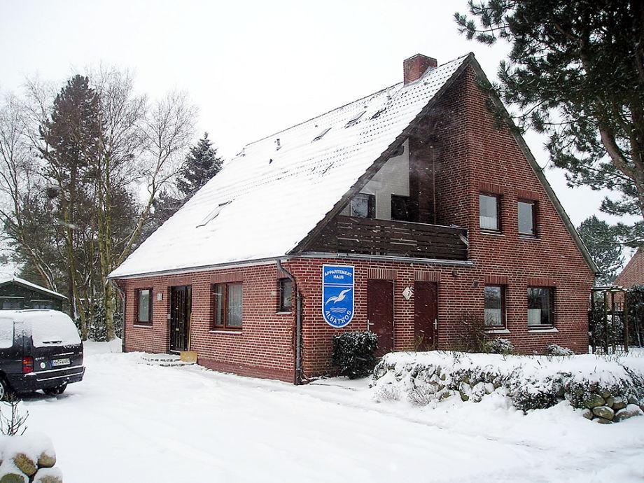 Das Appartementhaus im winterlichen St. Peter