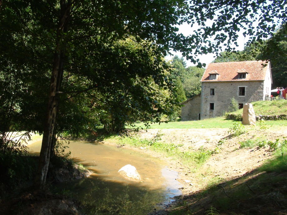 Außenaufnahme in ehemaliger Wassermühle
