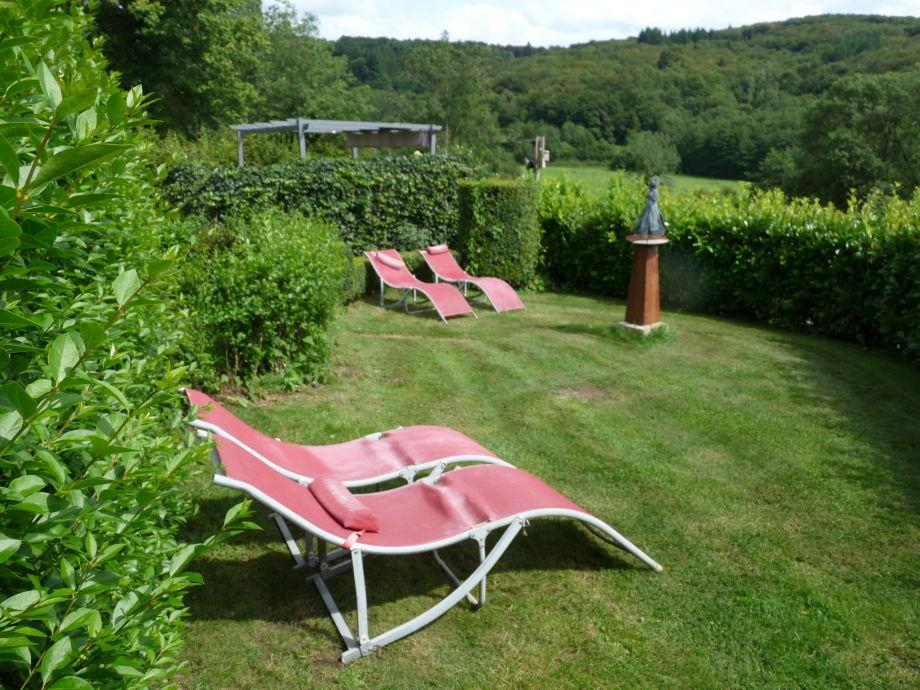 Ferienhaus domaine de 39 hermitage im naturpark du morvan for Poolecke im garten