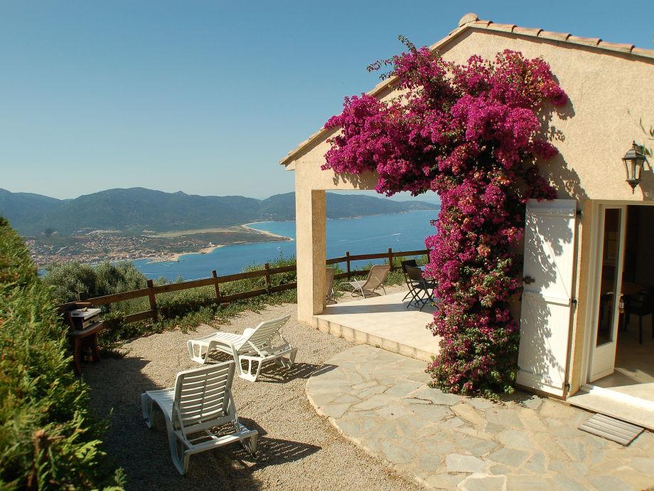 Außenaufnahme La Raggia Calanca