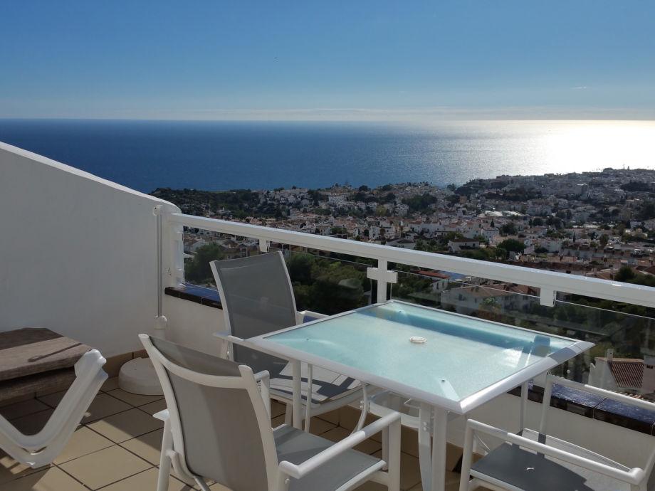 Süd-Terrasse mit 180° Meerblick, teils bis nach Afrika