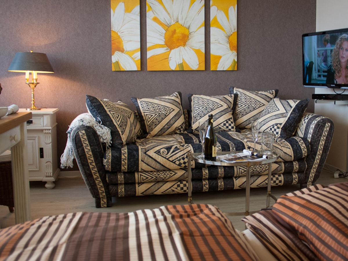 ferienwohnung premium rosenm we am wei en sandstrand wenningstedt familie renate und manfred. Black Bedroom Furniture Sets. Home Design Ideas