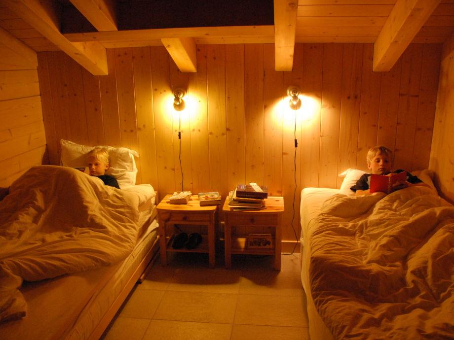 Ferienwohnung Chalet Panoramix, Torgon - Familie Franz Stel Schlafzimmer Chalet