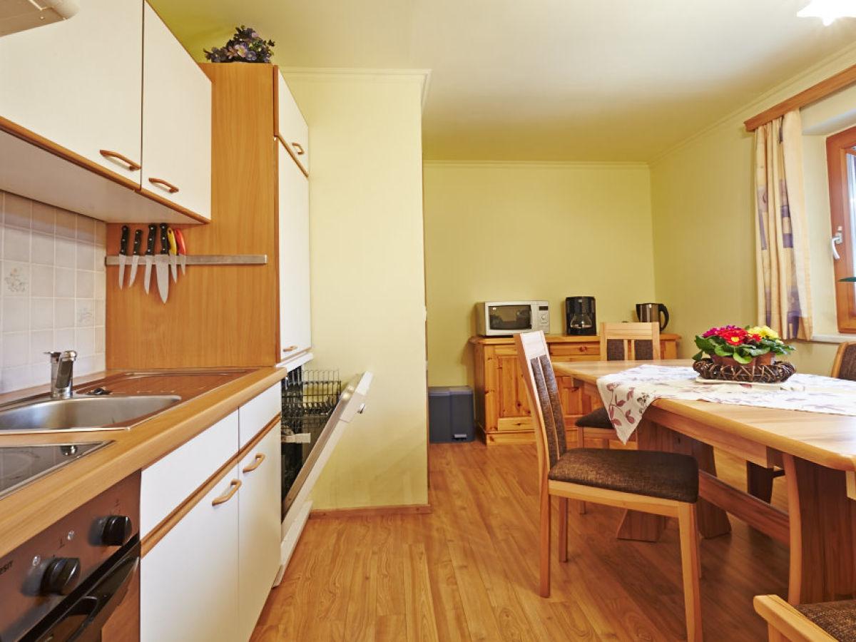 ferienwohnung im haus barbara eben im pongau familie manfred wohlschlager. Black Bedroom Furniture Sets. Home Design Ideas