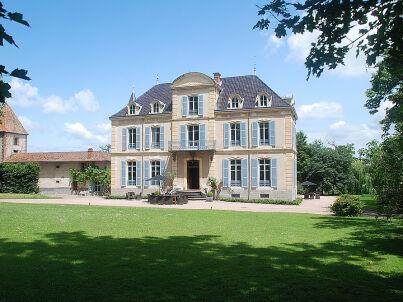 Chateau Les Bardons / Schloss