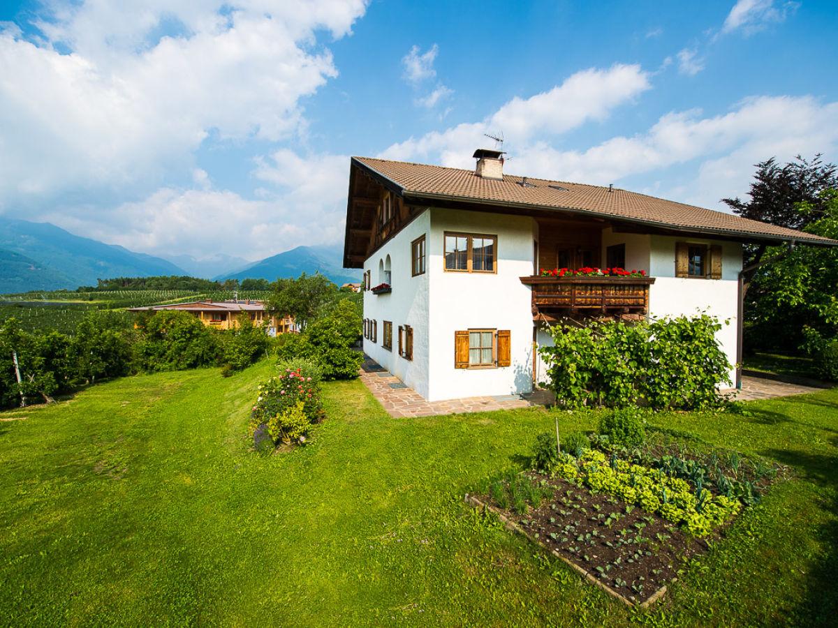 Ferienwohnung pichlerhof brixen eisacktal familie for Haus mit garten
