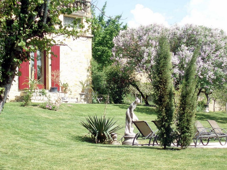 Der große, gepflegte Garten