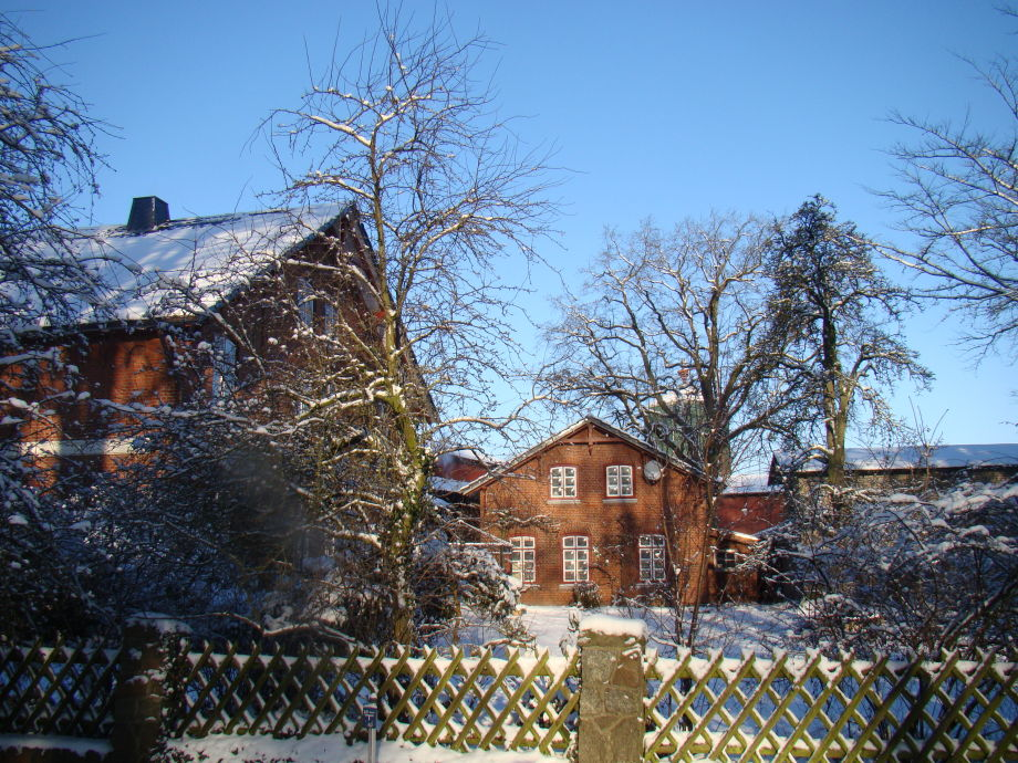 ...und das Bauernhaus und Ferienhaus im Winter
