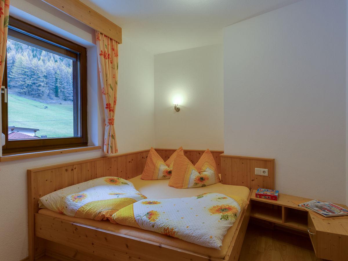 ferienwohnung haus berthold s lden tztal s lden frau angelika gstrein. Black Bedroom Furniture Sets. Home Design Ideas