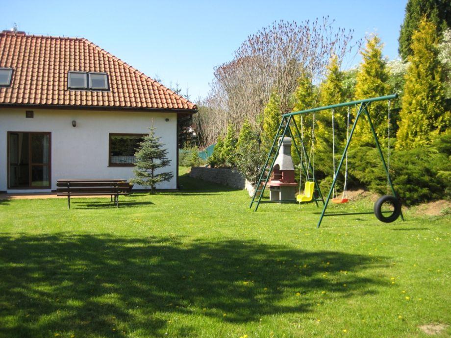 Spielplatz,Terrase mit Grill