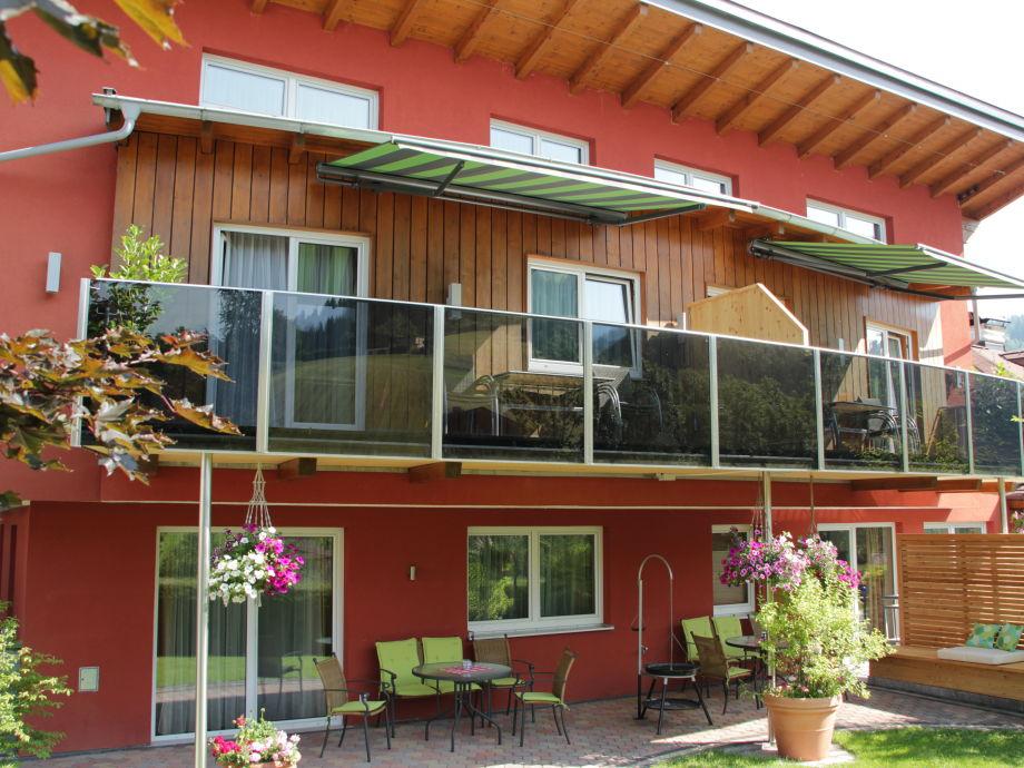 Unser Haus im neuen Outfit, mit großem Balkon