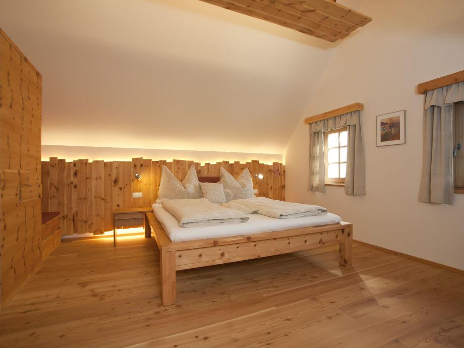 bett zirbenholz gebraucht das beste aus wohndesign und. Black Bedroom Furniture Sets. Home Design Ideas