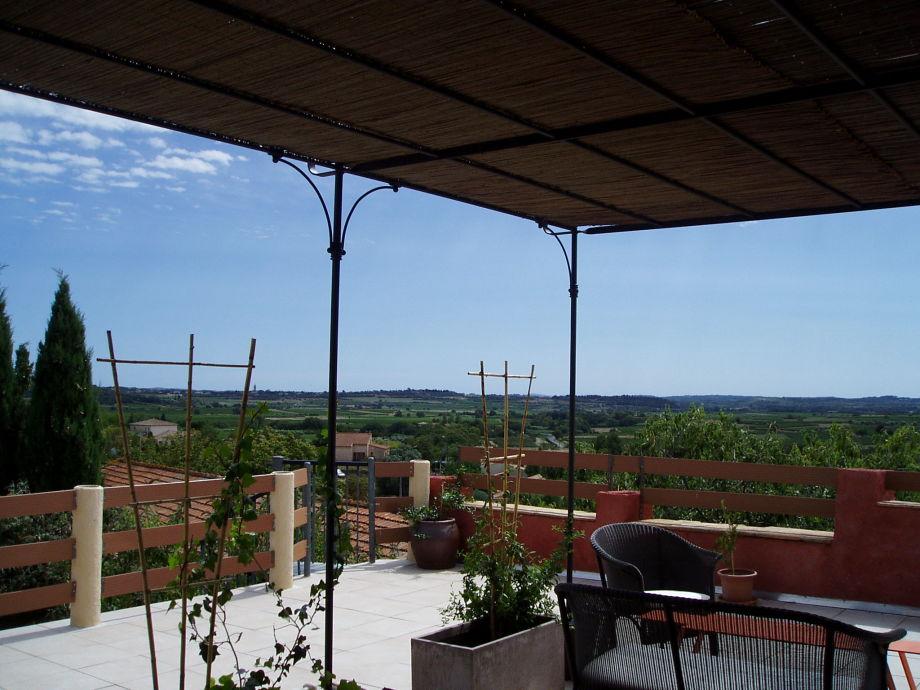 Pergola auf der Terrasse