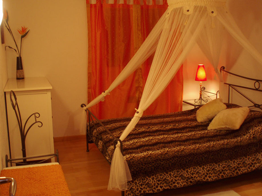 Bedroom Bali with toilet/sink