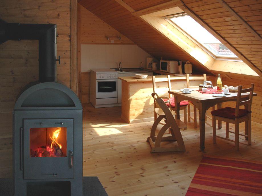 Wohnraum mit offener Küche und Eßecke