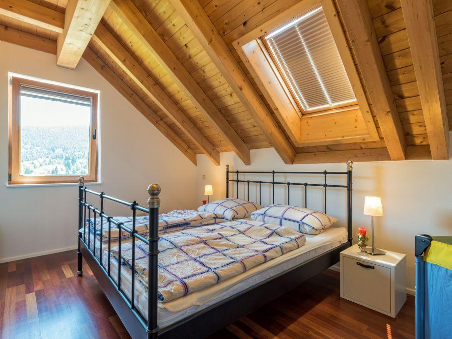 Ferienhaus schwarzwald schwarzwald familie sandra roth - Schlafzimmer dachgeschoss ...