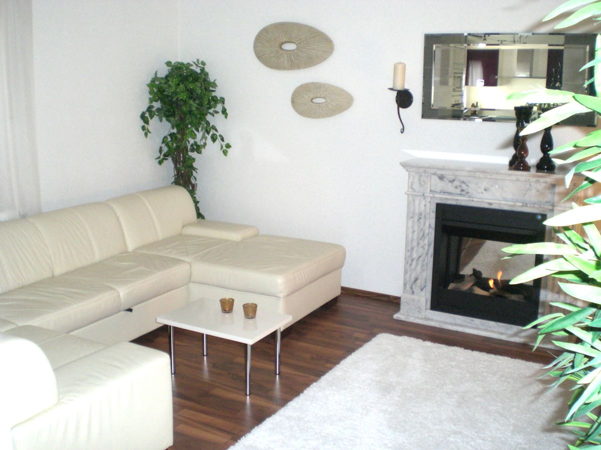 ferienwohnung toscana residenz im schwarzwald schwarzwald frau lena urzica. Black Bedroom Furniture Sets. Home Design Ideas