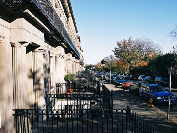 Rent holiday houses and holiday apartments in scotland for 12 regent terrace edinburgh