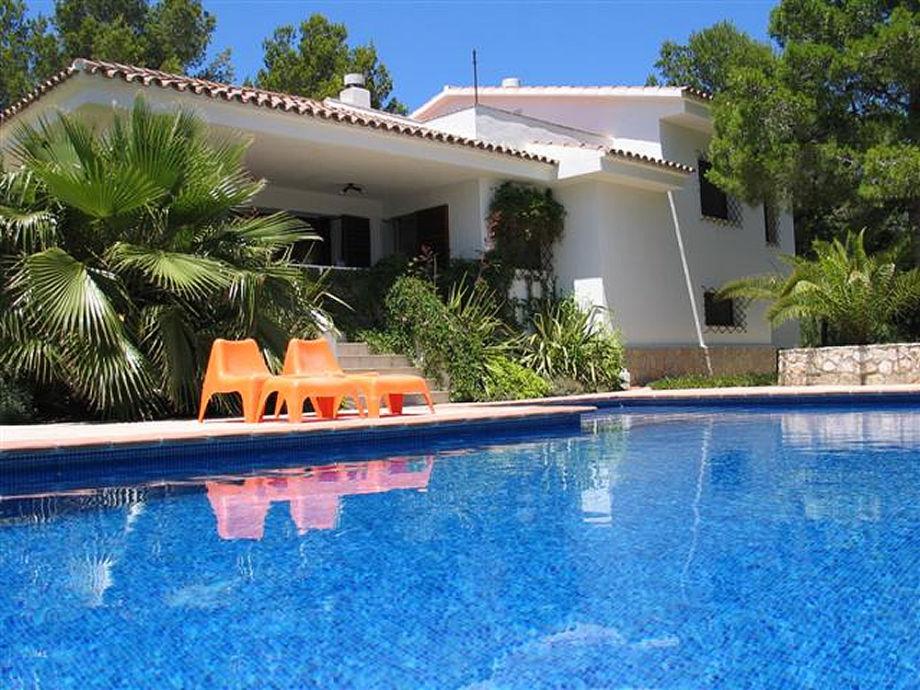 ferienwohnung villa duero katalonien costa dorada firma calafat retreats herr calafat retreats. Black Bedroom Furniture Sets. Home Design Ideas