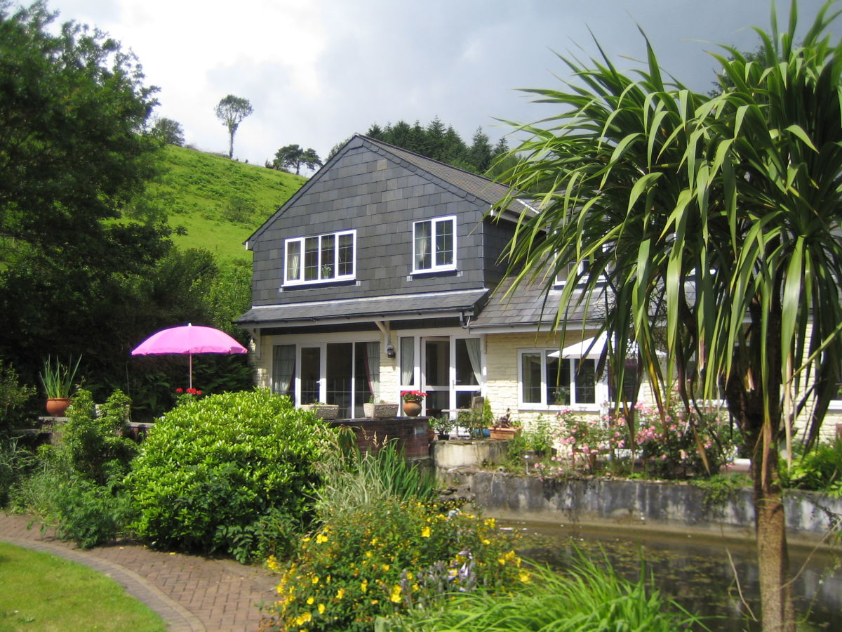 Englisches Cottage house summertime south east cornwall looe firma seasons