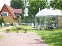 """Ferienwohnung im Ferienhaus """"Dorle"""" an der Müritz"""