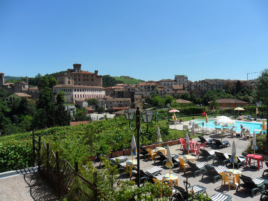 Hotel Barolo Brezza mit Pool