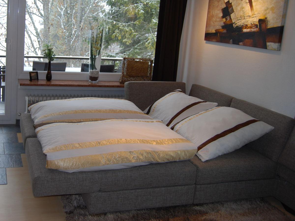 Integriertes Bett im Wohnzimmer