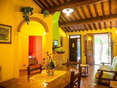 Agriturismo La Fattoria (mit Pool/Restaurant)