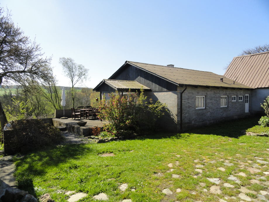 Hofhütte mit Terrasse