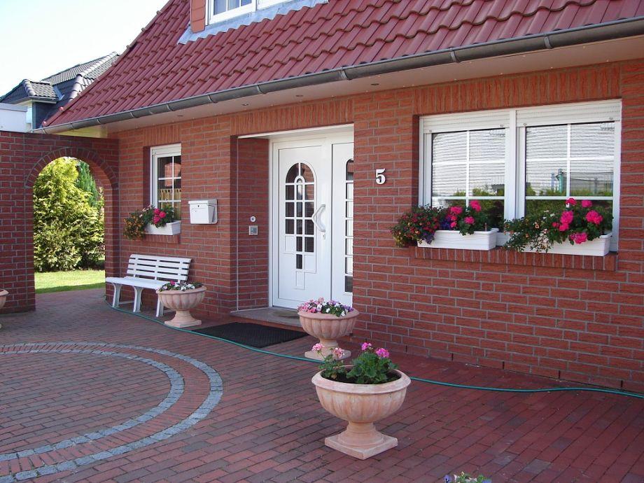 Haus Langen im Sommer