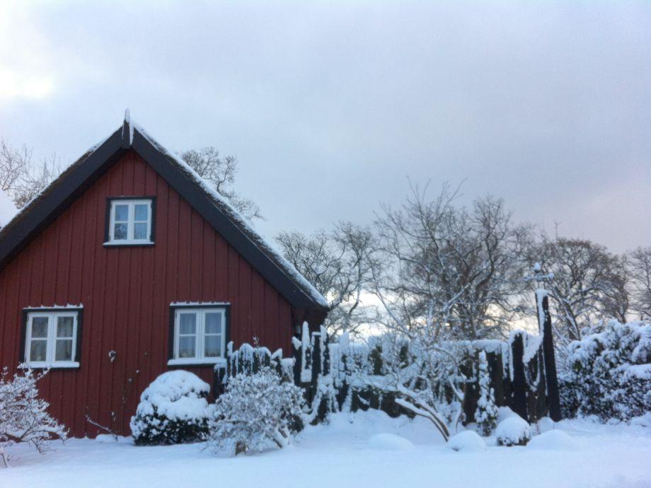 Verwunschene Winterstimmung - Backbord Katen im Schnee