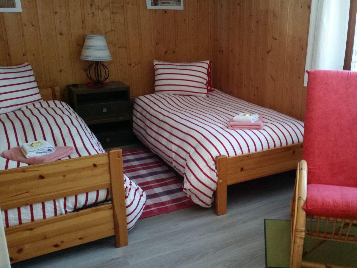 ferienwohnung nussbaumerhaus lauterbrunnen berner. Black Bedroom Furniture Sets. Home Design Ideas
