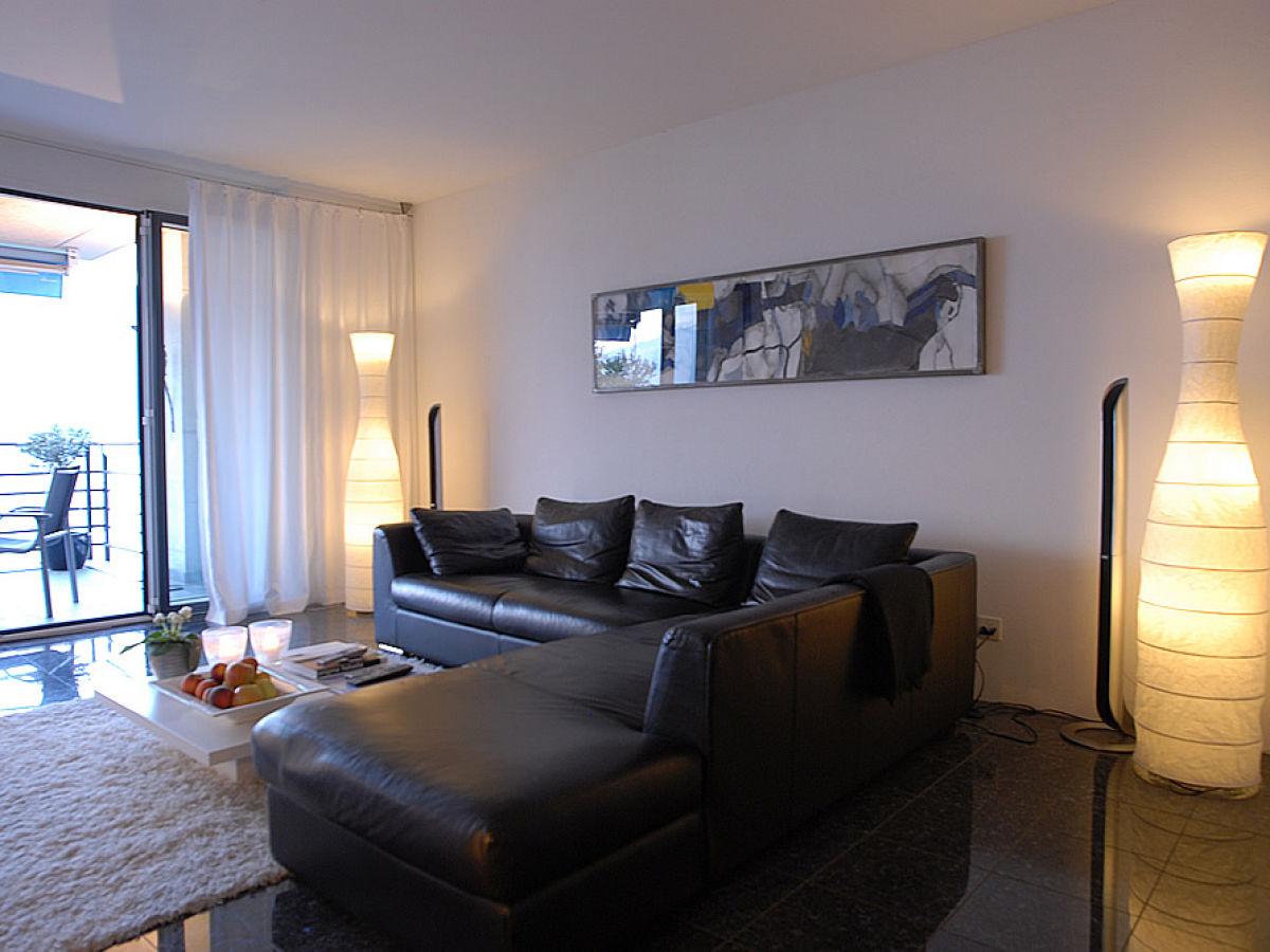 Designer ferienwohnung mit 180 panoramablick auf see und for Wohnzimmer ecksofa