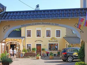 """Ferienwohnung Hotel """"Am Eifelsteig"""""""