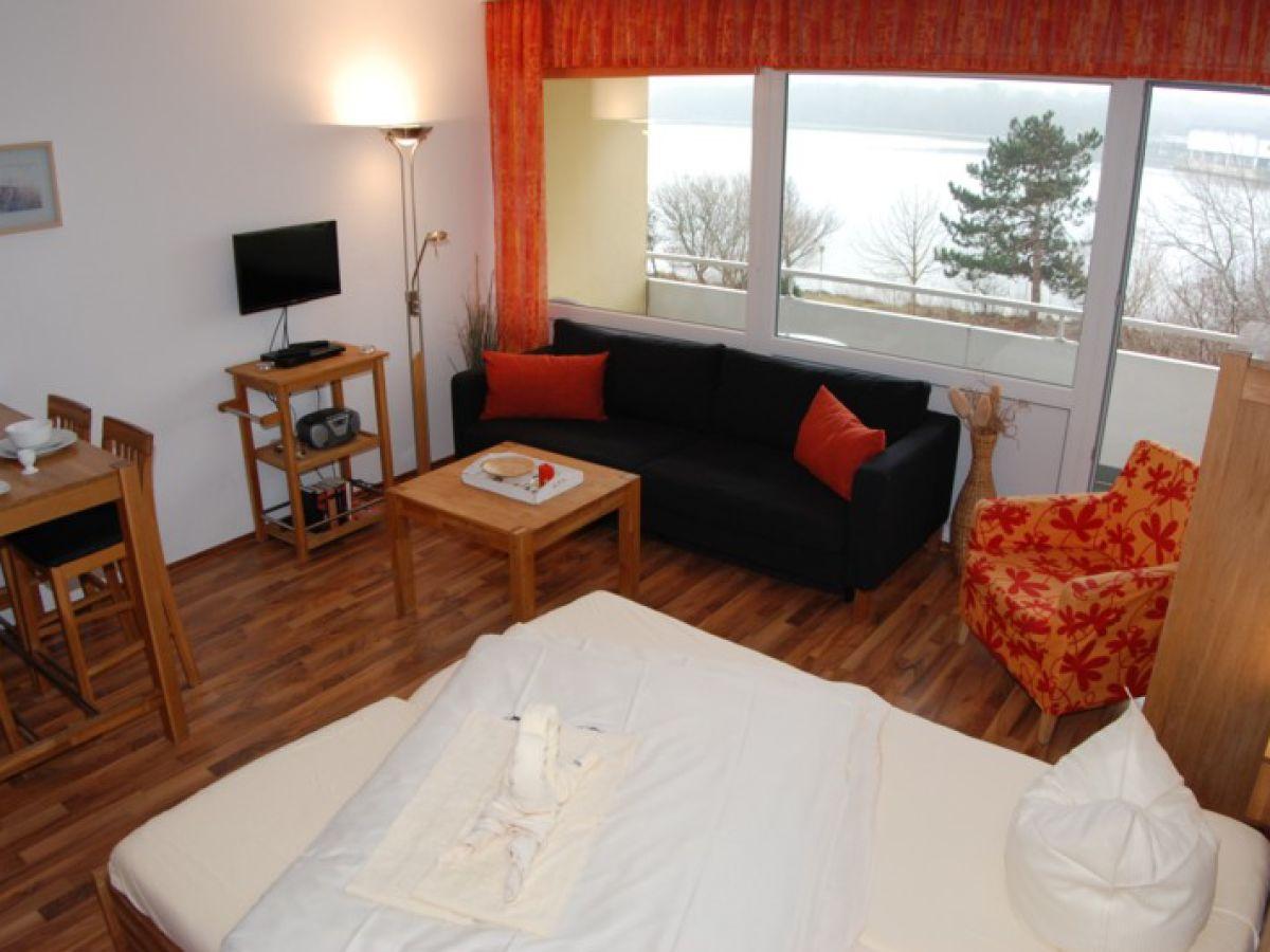ferienwohnung strandhotel 213 heiligenhafen dir am strand heiligenhafen frau simone redlich. Black Bedroom Furniture Sets. Home Design Ideas