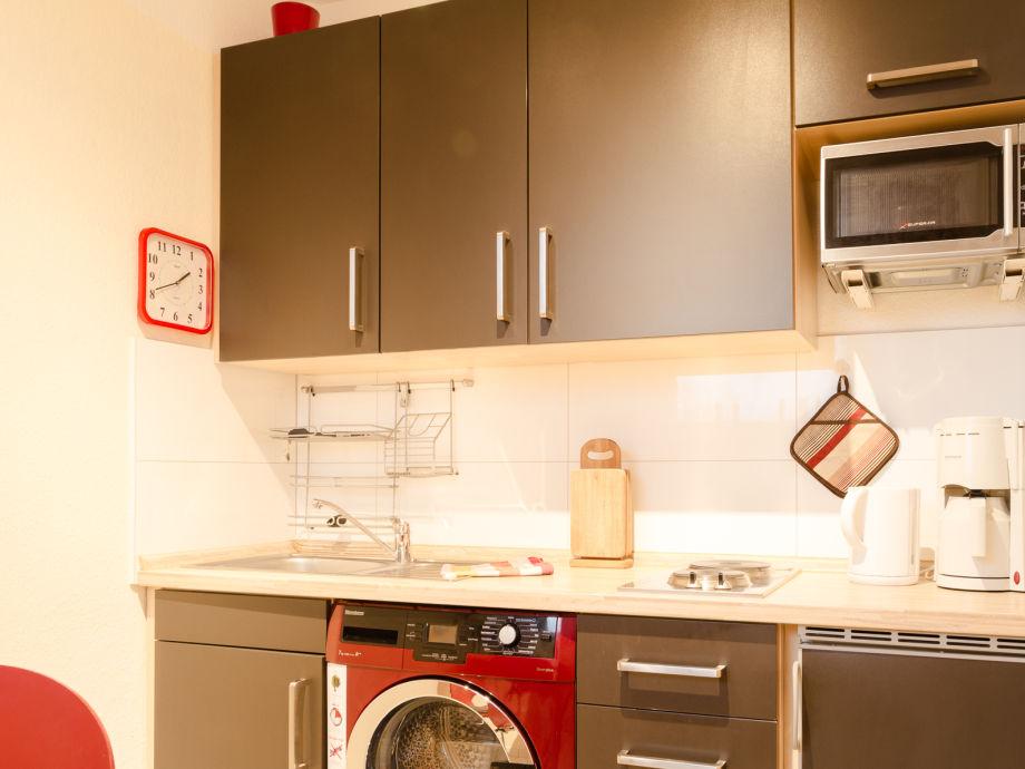 gem tliche schlafsofas k che mit waschmaschine k che mit sitzecke. Black Bedroom Furniture Sets. Home Design Ideas