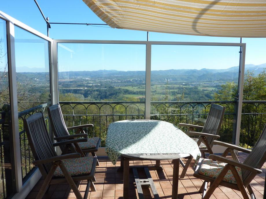 Windgeschüzte Terrasse mit Panoramablick