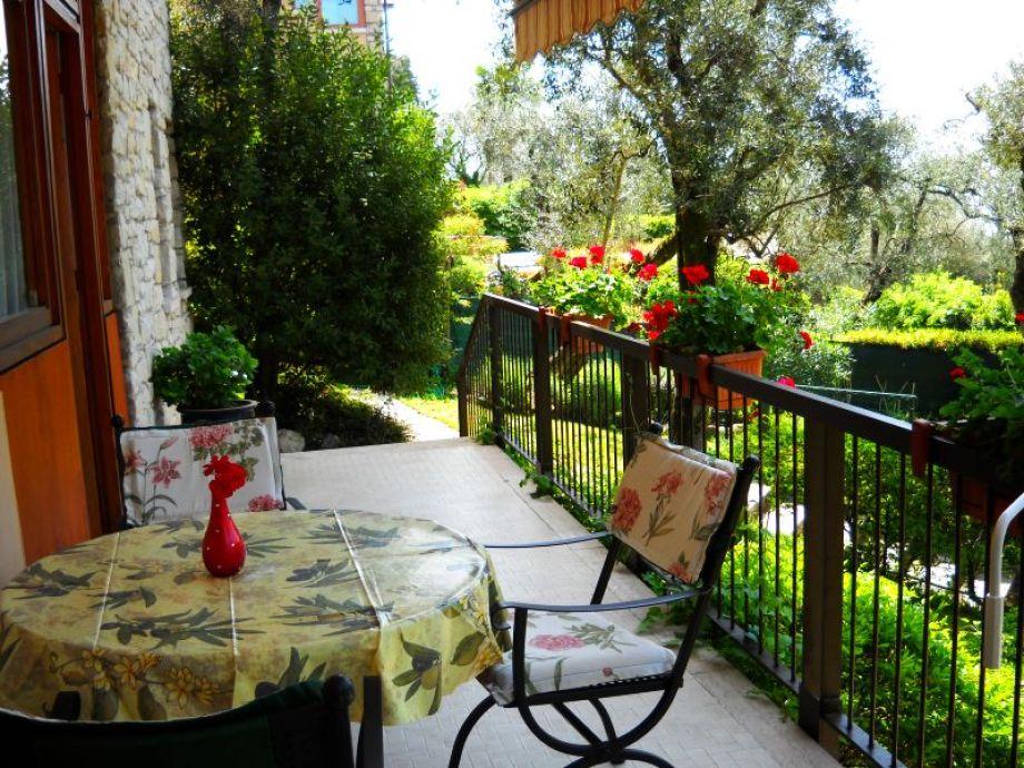 Terrasse Blick in den Garten