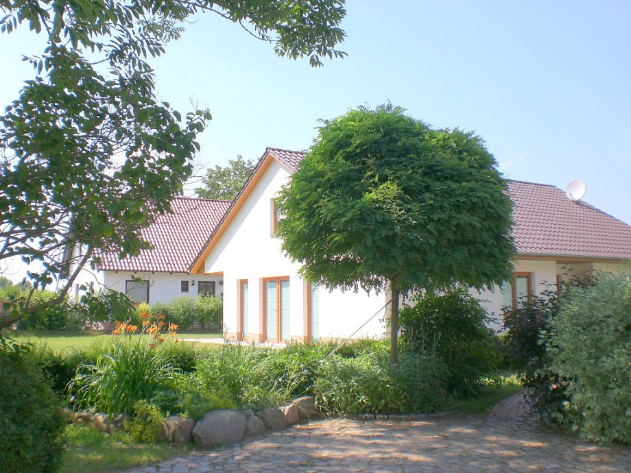 """Die 2 Häuser """"Wiesenblick"""""""