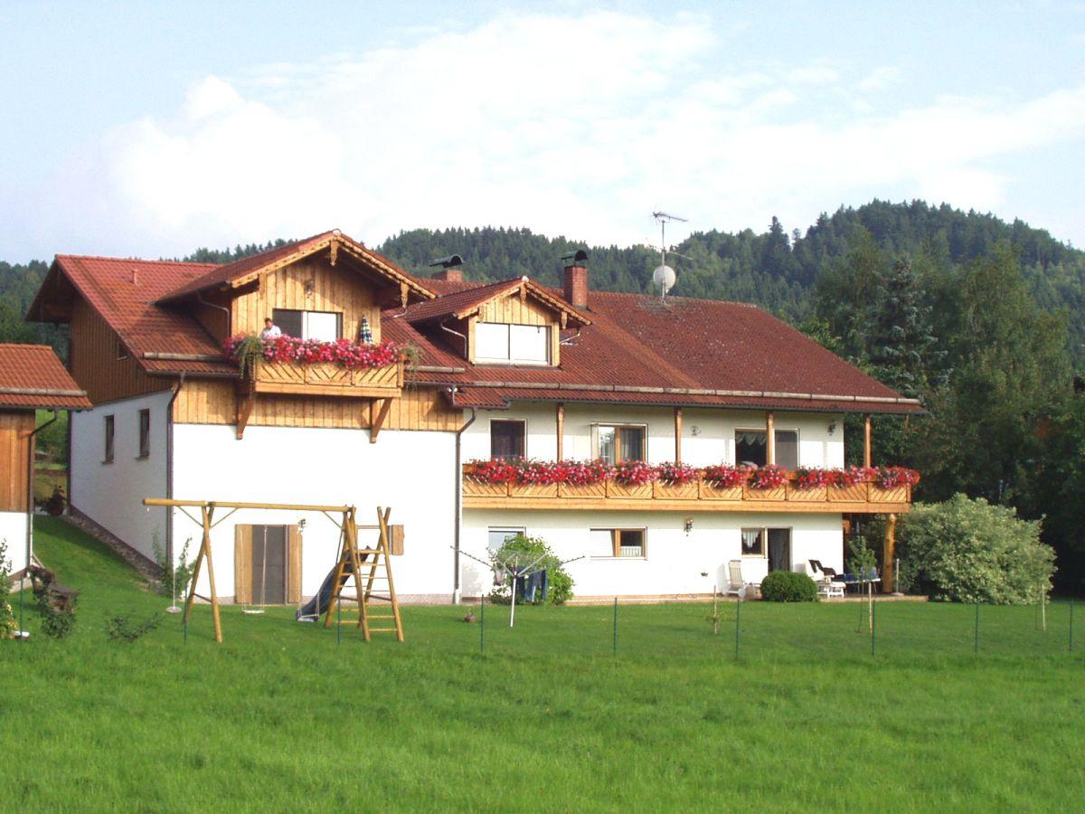 Ferienhaus familie johann probst bayerischer wald herr for Haus mit garten