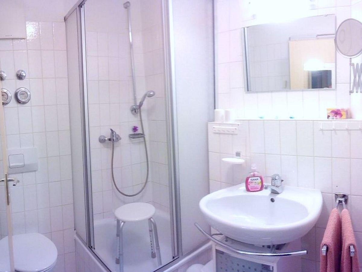 Apartment urlaub u erholung in titisee hochschwarzwald - Ludwig badezimmer ...