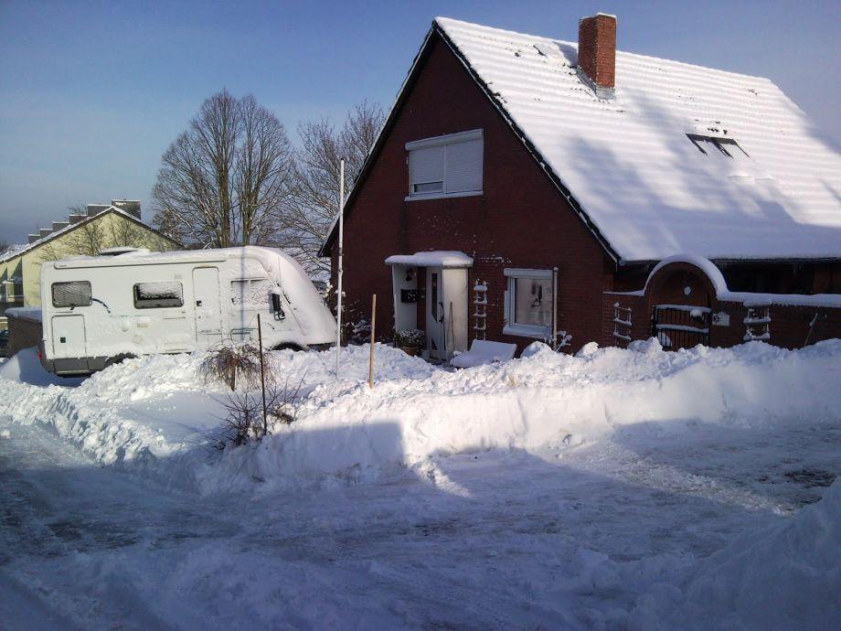 Wohnhaus im Winter