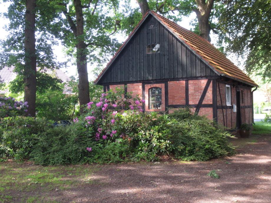 Außenaufnahme charming timberframed cottage