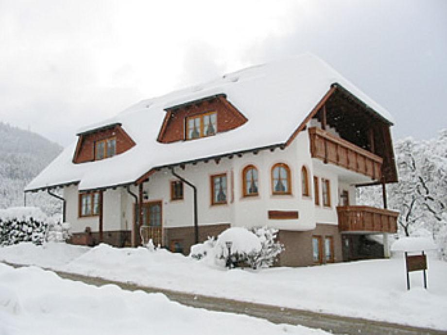 Nebengebäude im Winter
