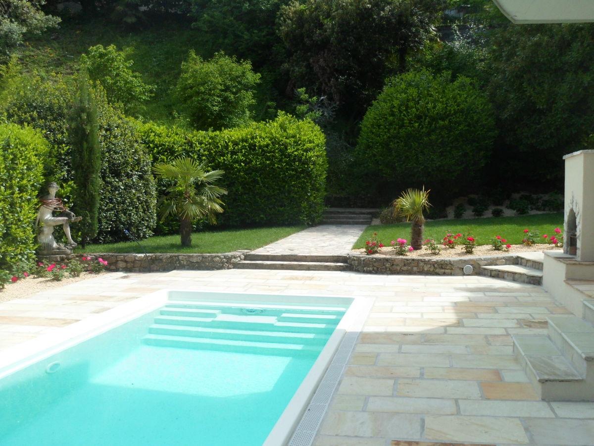 Ferienwohnung 1 in der villa stella maris gardasee for Aussenpool komplett