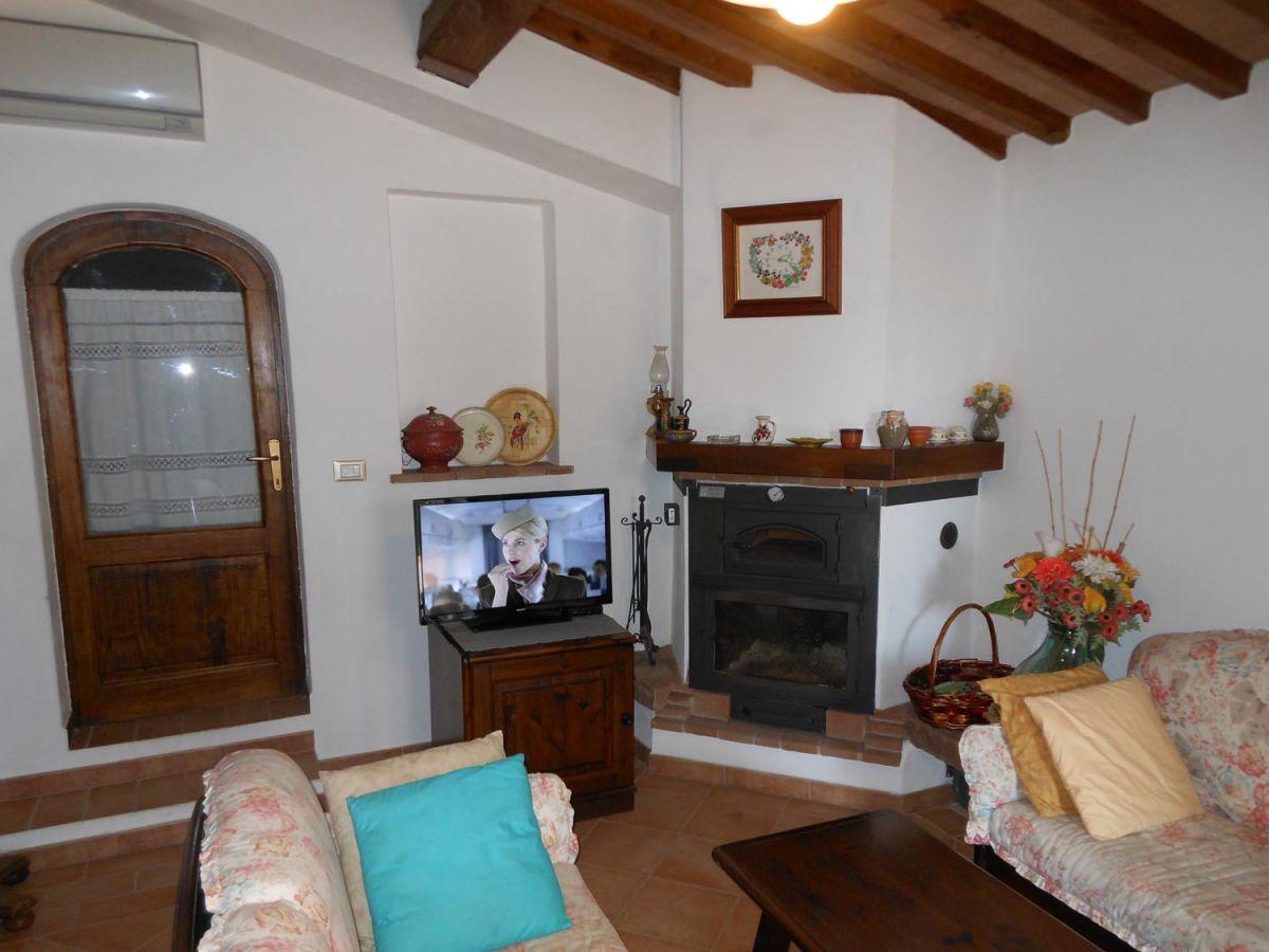 ferienhaus casa geranio toskana livorno herr gabriele. Black Bedroom Furniture Sets. Home Design Ideas
