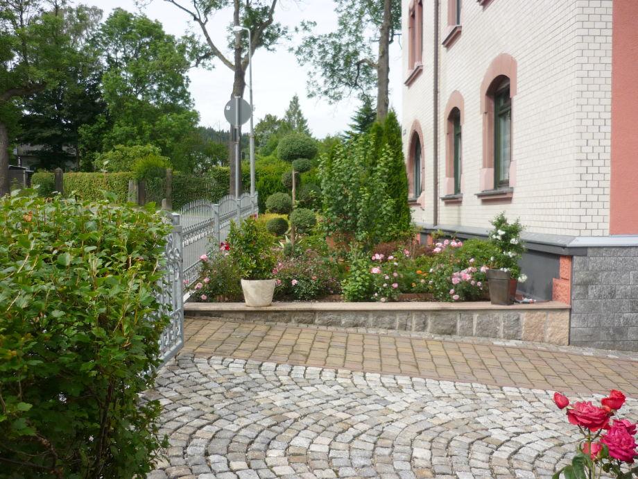 Hofeinfahrt/Vorgarten