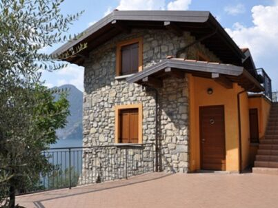 Attic in Montisola - Lake Iseo