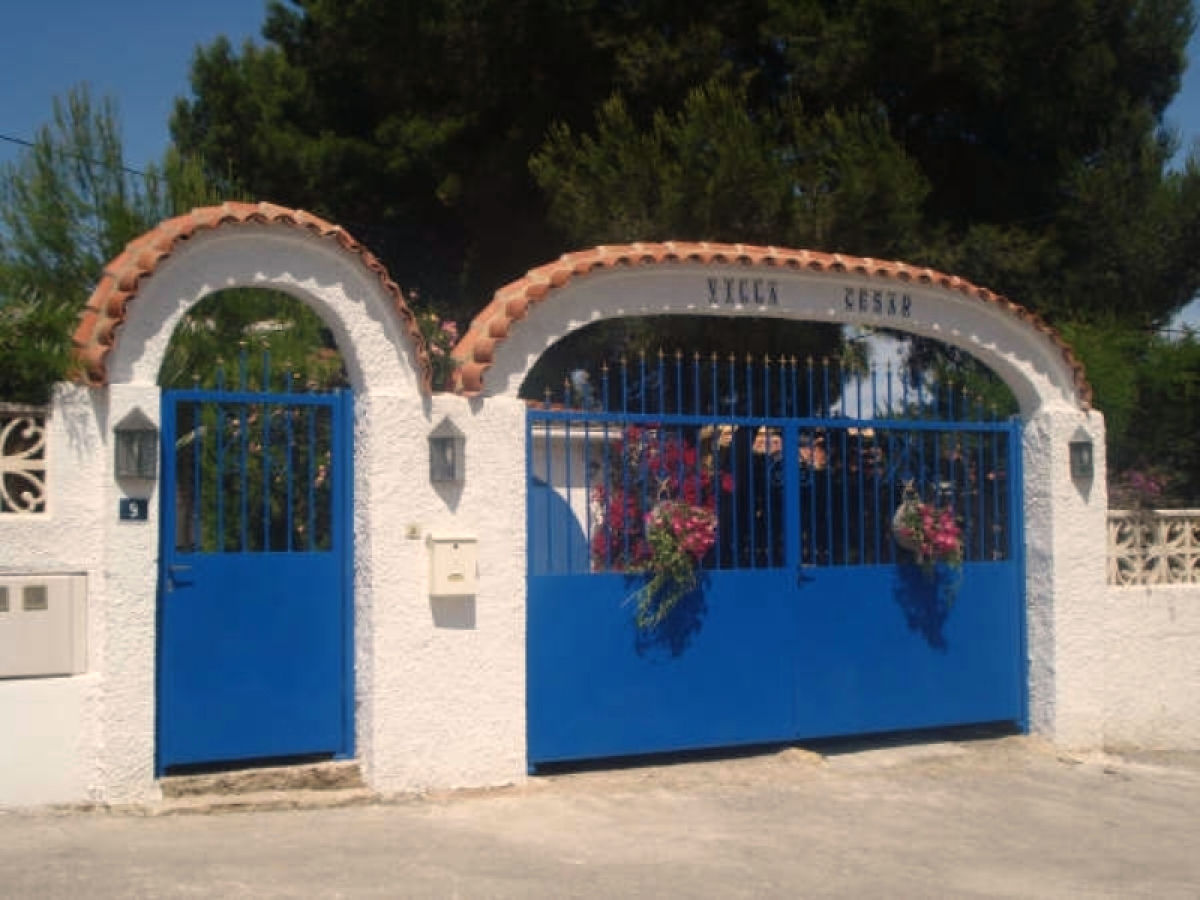 Villa with lightened swimming pool and large garden, Benidorm - Ms ...