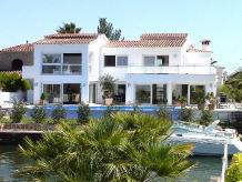 Villa Kingdom mit Pool & Bootsliegeplatz